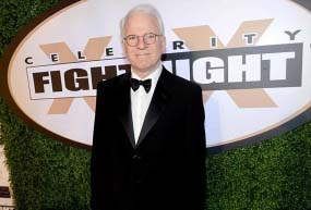 Steve Martin apologises for racist tweet after fan outcry