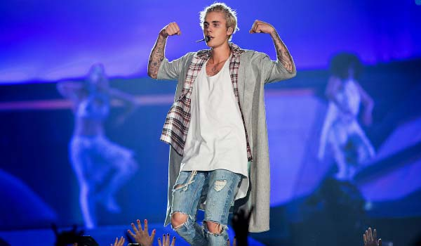 Justin Bieber is back at the AccorHotels Arena