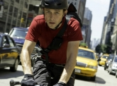 'Premium Rush' delivers action, no bells and whistles