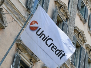 US investigates UniCredit over sanctions